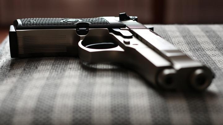 В Воронеже рабочие при ремонте кровли дома нашли гранату и пистолет