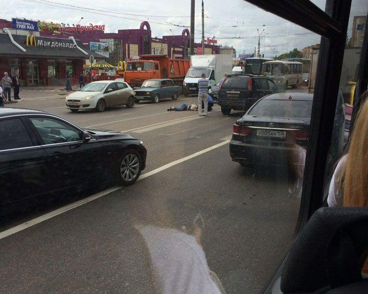 ФОТО: В Воронеже на пешеходном переходе сбили девушку