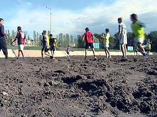 Футболистам спортивной школы ╧14 негде тренироваться