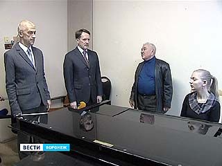 Глава региона посетил академию искусств, чтобы оценить первые результаты культурной перестройки