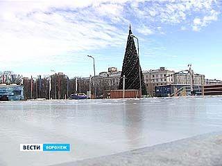 Главная площадь Воронежа превращается в каток