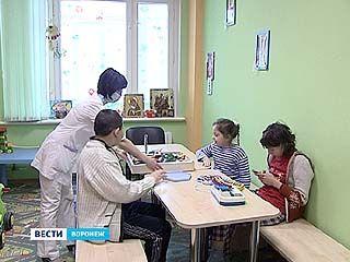 Главный детский онколог центра России осмотрела воронежских пациентов