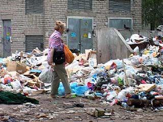 """Груды мусора """"отравляют"""" жизнь жителей Ленинского района"""