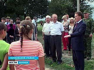 Губернатор Алексей Гордеев посетил Терновский и Эртильский районы