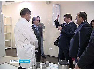 Губернатор Алексей Гордеев посетил Воронежский онкологический центр