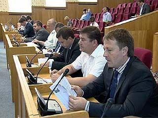 Губернатор посоветовал депутатам областного парламента больше учиться