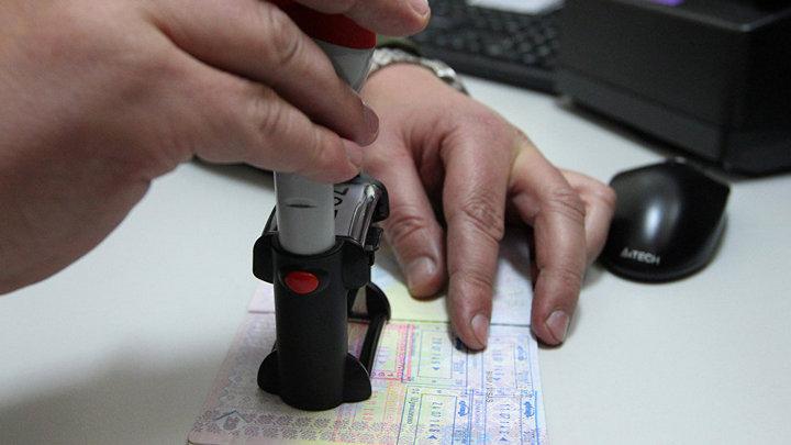 Жившую 6 лет в Воронежской области гражданку Чехии выдворили из России, разлучив с мужем