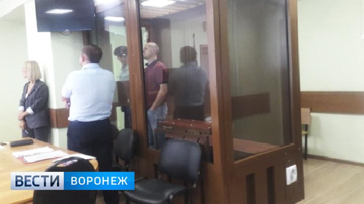 Подозреваемого в мошенничестве владельца воронежской сети АЗС оставили в изоляторе на 72 часа