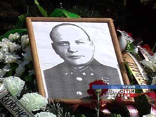 К 65-летию Победы в Воронеже появится памятник Александру Лизюкову