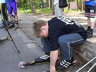 К лыжероллерам приобщается все больше молодежи