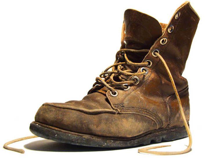 Коллектив Камерного просит воронежцев подарить театру ненужную обувь