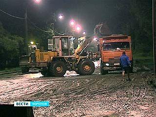Комиссия выяснит, почему на набережной во время ливня случился оползень