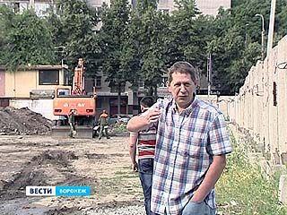 Коммунальщики сражаются за возможность заменить трубы на улице Среднемосковской