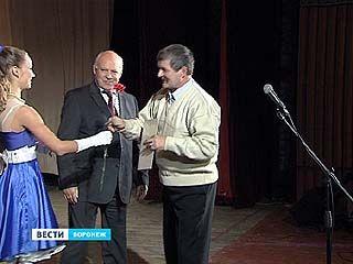 Лучших сотрудников Воронежского механического завода чествовали на торжественном собрании