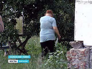 Мать двух девочек подозревают в жестоком обращении с детьми