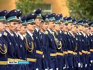 Молодые лейтенанты получили дипломы об окончании ВВАИУ