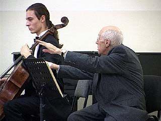 Мстислав Ростропович провёл мастер-класс в музыкальном колледже