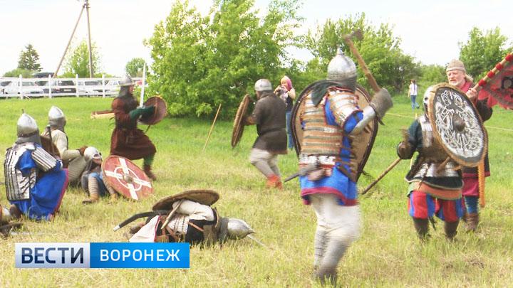 Воронежцы устроили под Липецком забавы в стиле Средневековья