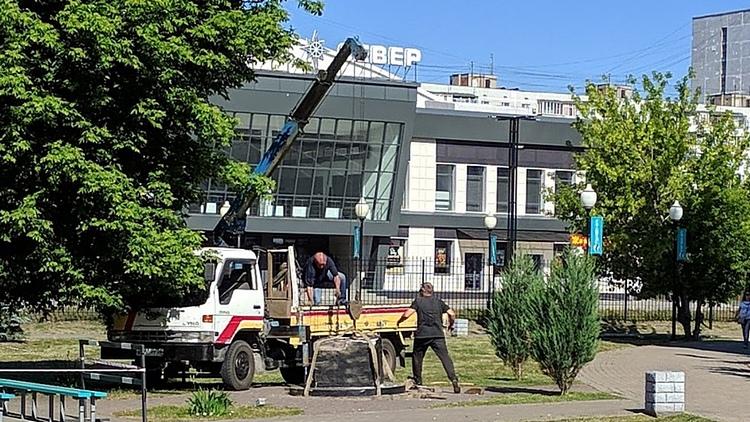 В Воронеже демонтировали памятник лидеру панк-группы «Король и шут»
