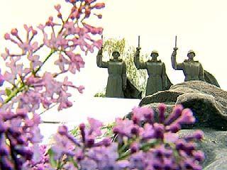 На Чижовском плацдарме состоялось торжественное возложение венков