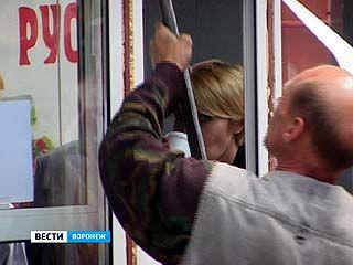 На Кольцовской демонтировали очередной киоск уличного общепита
