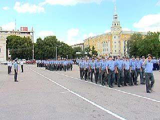На площади Ленина прошел развод сил Воронежского ГУВД