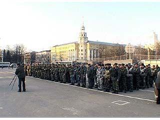 На площади Ленина встречали милиционеров, вернувшихся из Чечни