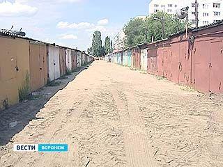 На теплотрассах в Воронеже растут киоски, гаражи и парковки