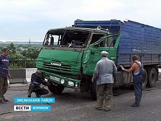 """На трассе """"Лиски-Острогожск-Каменка"""" столкнулись """"Газель"""" и КАМАЗ"""
