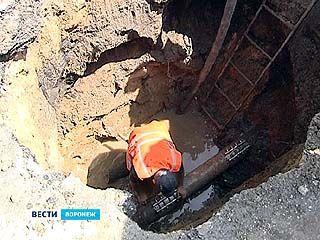 На улице 9 Января прорвало магистральный водопровод