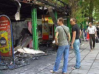 На улице Кольцовская совершен двойной поджёг киосков