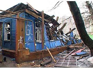 На улице Войкова разгорается строительная война