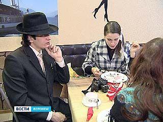 Несколько воронежцев воссоздали исторический детектив в лицах