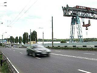 Ограничено движение по Чернавскому мосту