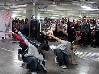 Около 100 воронежских школьников и студентов соревновались в ритме хип-хопа