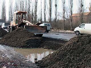 Окружную дорогу вдоль реки Песчанки начали ремонтировать