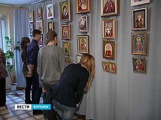Открылась выставка борисоглебской мастерицы Марины Волченковой