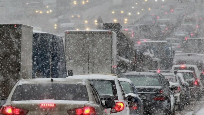 Метель спровоцировала в Воронеже многокилометровые пробки