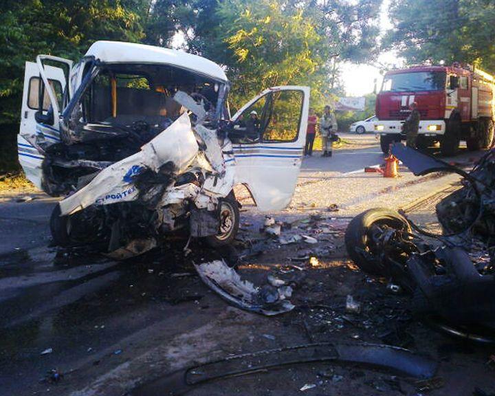Под Воронежем в автокатастрофе пострадали 10 человек и 3 погибли