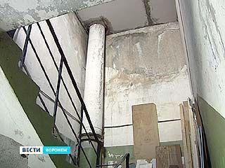 Подрядчики не спешат устранять недочеты в якобы отремонтированном доме