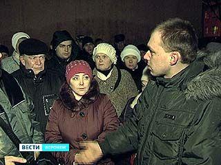 Погорельцы с Депутатской улицы требуют их переселить