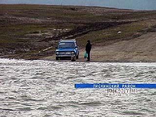 Половодье отрезало от мира три села Лискинского района