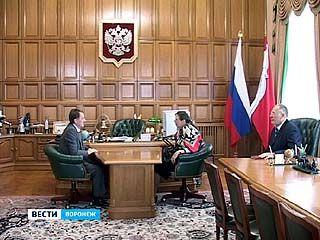 Помощник Президента России Лариса Брычёва выслушала воронежцев