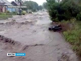 После испепеляющего зноя Воронеж захватил циклон