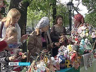 После шествия воронежцы отправились на пикник в Петровский сквер