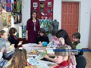 """Поворинские рукодельницы готовятся к конкурсу """"Мода и стиль"""""""