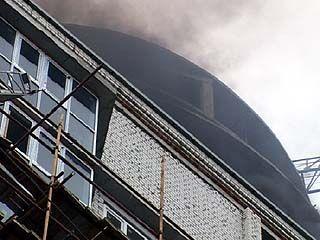 Пожар в недостроенной многоэтажке в самом центре изрядно напугал воронежцев