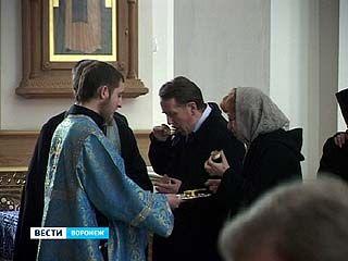 Православные отмечают праздник Благовещения