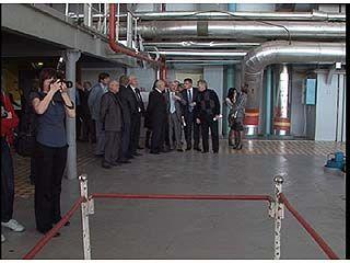 Премьер-министр Дмитрий Медведев приехал на НВАЭС