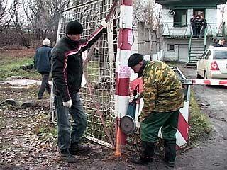 Приставы снесли незаконную автостоянку в Воронеже